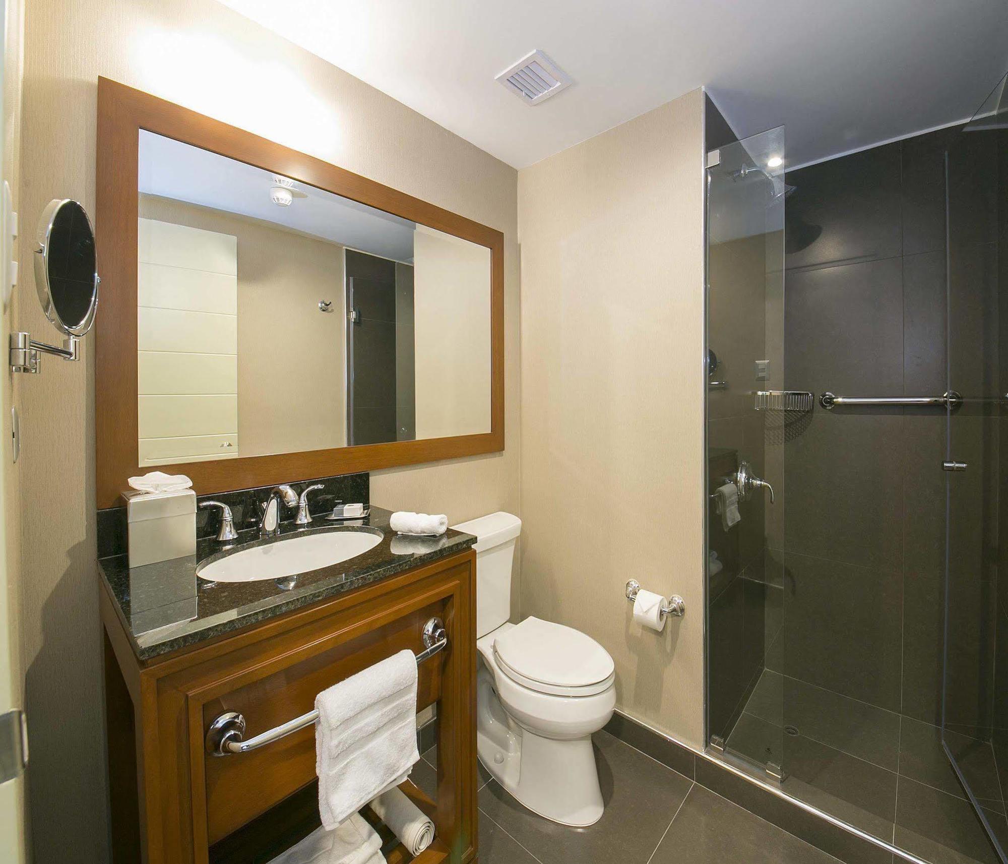 Kathmandu airport bathroom hookups